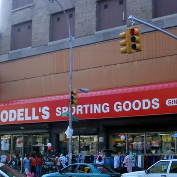Modell's Manhattan NY locations, hours, phone number, map and driving directions.