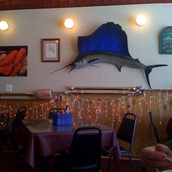 Plymouth fish seafood market restaurant closed 11 for Decor market reviews