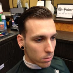 Jimmy Sanchez, Barber - A pompadour only pomade could touch - Oakland, CA, Vereinigte Staaten