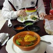 Aguilas de Mexico Restaurant - Newark, NJ, États-Unis. Beef spicy soup