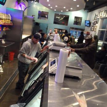 Fresh fish house seafood markets detroit mi united for Detroit fish market