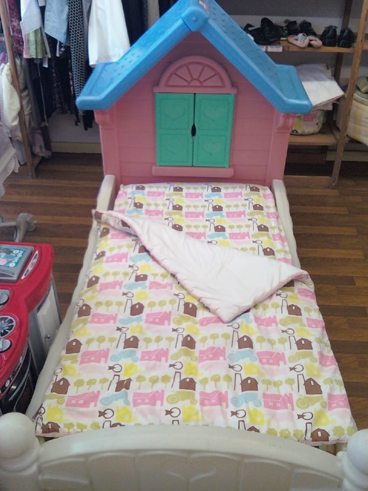little tikes storybook cottage toddler bed 2