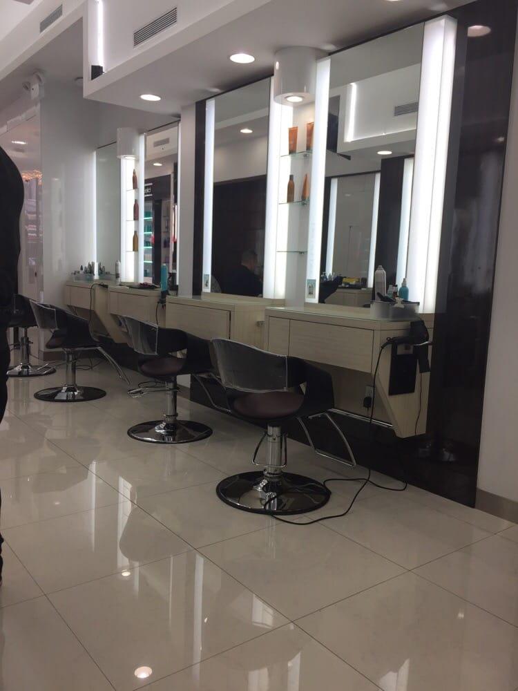 Bleu sur bleu hair salon 57 photos coiffeur salon de for Coiffeur salon nyc