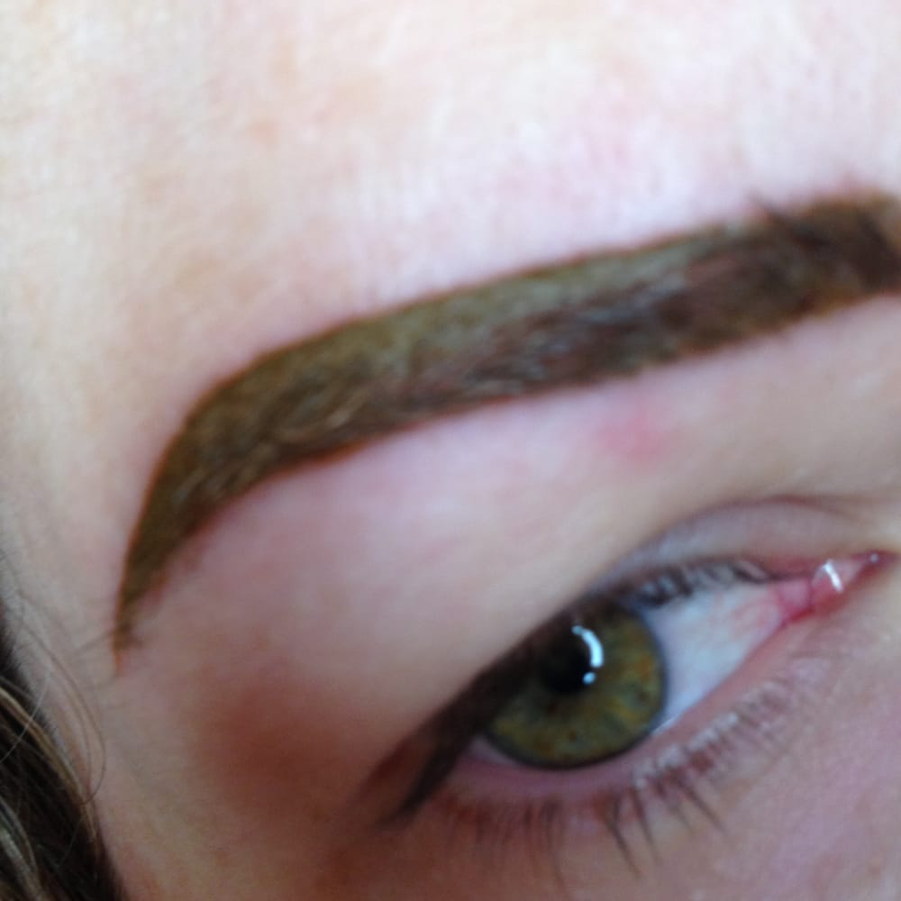 6 days after eyebrow tattoo, eyelid still red and swollen