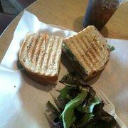 Ciao Coffee & Tea Co - Turkey pesto sandwich with their awesome iced tea! - Sherman Oaks, CA, Vereinigte Staaten