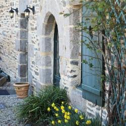 Auberge de la Cour Verte - Dol-De-Bretagne, Ille-et-Vilaine, France. Auberge de la Cour Verte