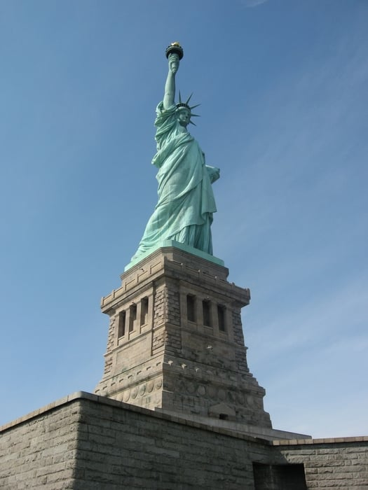 Statue of Liberty - New York, NY, États-Unis. (photographed by Dave Hong)