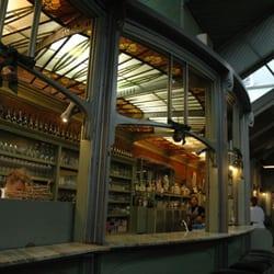 De Ultieme Hallucinatie - Saint-Josse-ten-Noode, Région de Bruxelles-Capitale, Belgique. De Ultieme Hallucinatie anno 2004: gezellige drukte rond de bedieningstoog