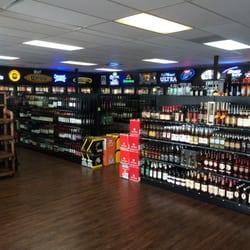 Mainstreet Liquor logo