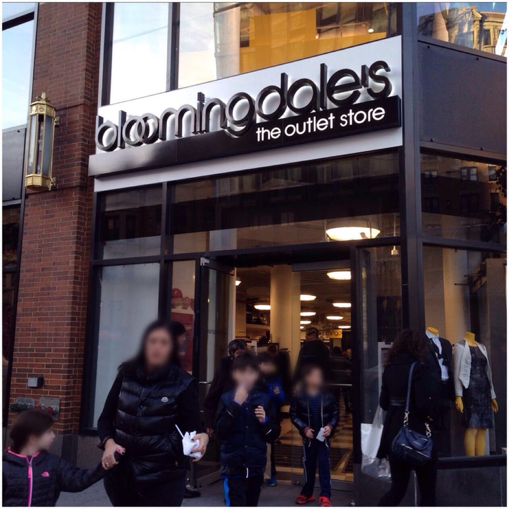 Bloomingdale's Outlet