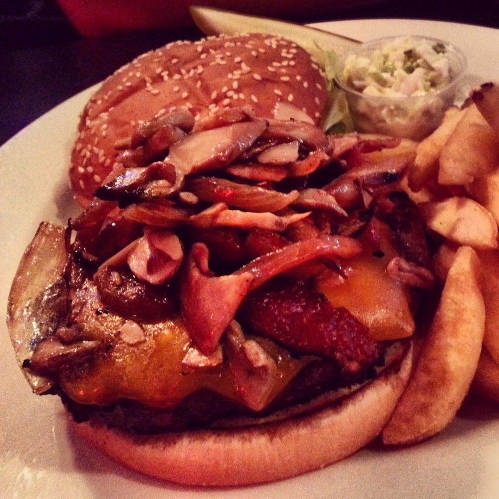 Crave bar food joynt 19 foto bar 1204 w rand rd for Food bar in cahaba heights