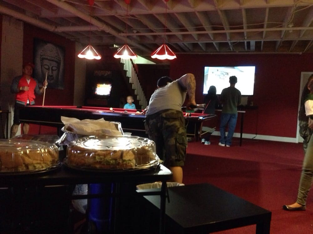 Pool table marvel vs capcom arcade game console for Table 52 yelp