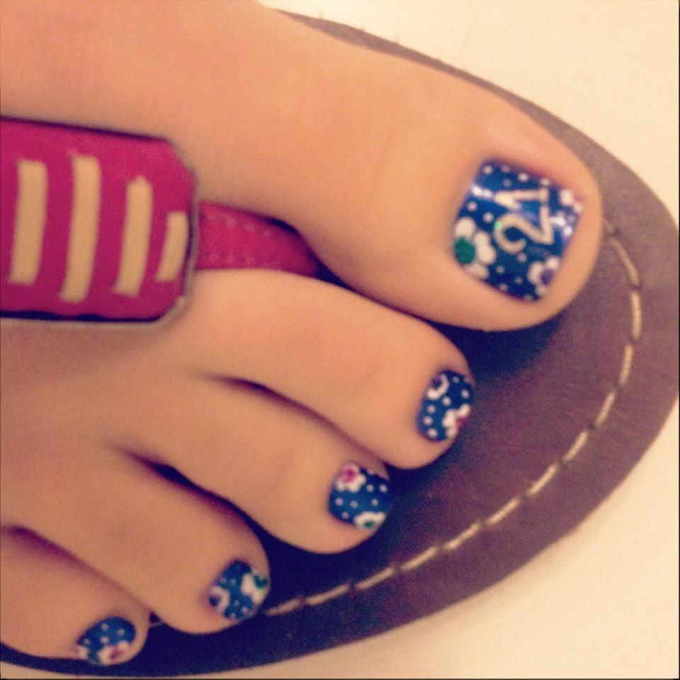 Q Riouser Q Riouser Nail Art: Themed Nail Art For My 21st Birthday!!! :]