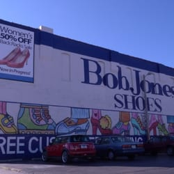 Robert T. Jones, who started with an outlet store, took a business partner
