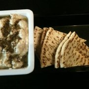 Pita Place - Bixby, OK, États-Unis. Baba ganoush and pita bread