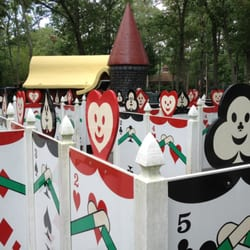 alice in wonderland theme park review