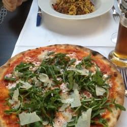 Pizza & pasta/veau/chanterelles