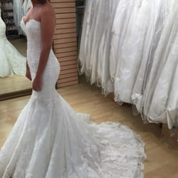 Royal accessories bridal downtown los angeles ca for Downtown la wedding dresses