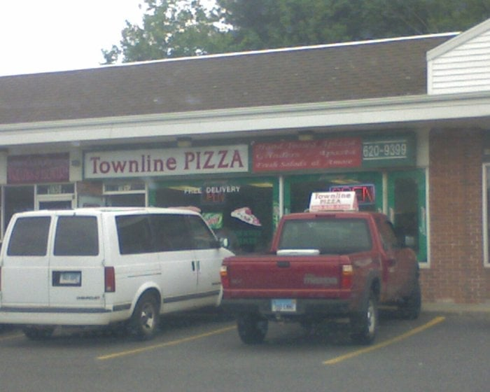 Plantsville (CT) United States  city images : Townline Pizza Plantsville, CT, United States. dirt strip mall ...