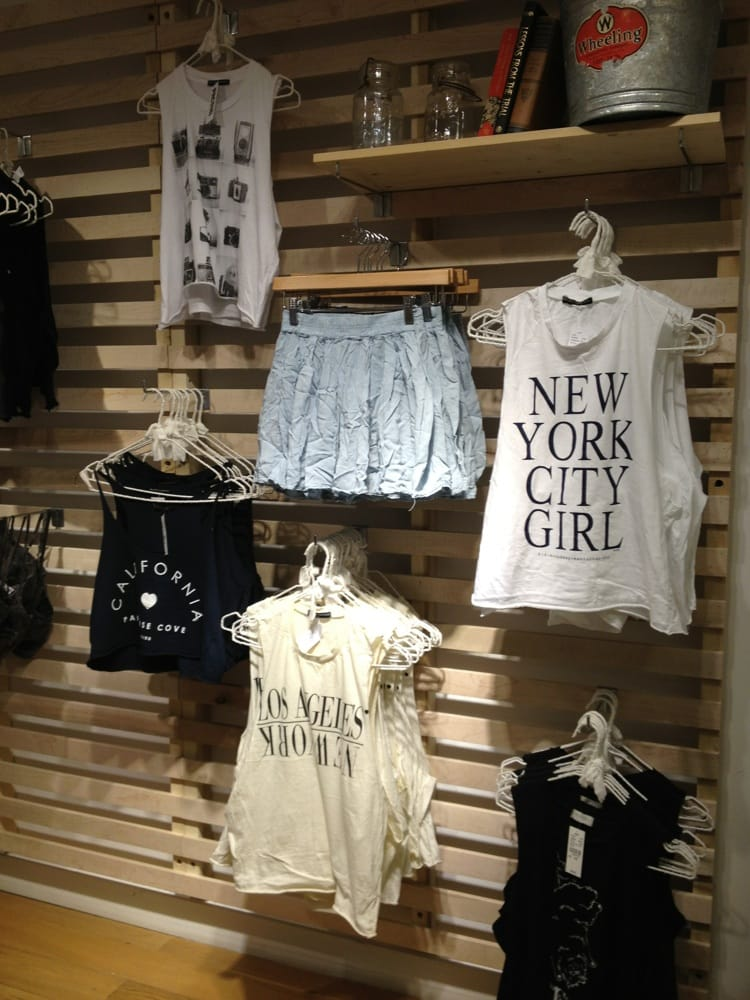 Brandy Melville - 32 Photos - Women's Clothing - Pacific Beach