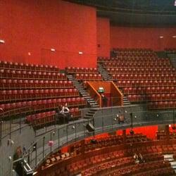 Cirque Royal - Bruxelles, Belgique. Nog snel een lege zaal trekken voor de security ons buiten zet