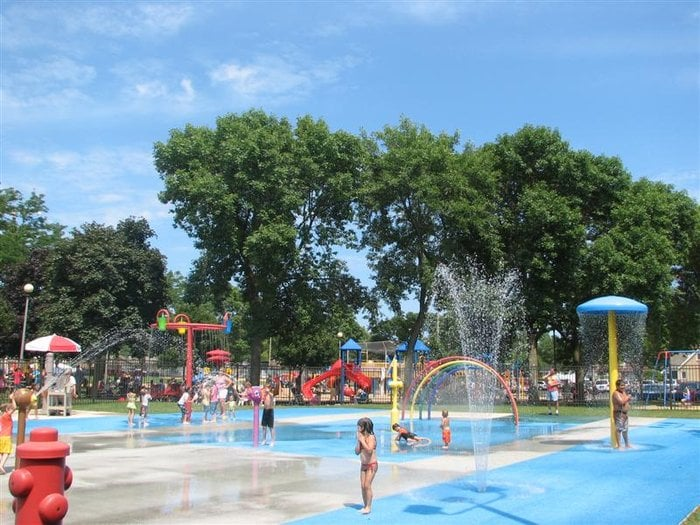 Rosemont Park District Splash Pad Swimming Pools 6140 N Scott St Rosemont Il United