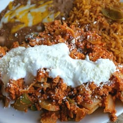 Guadalupe's Mexican Grill - CHILAQUILES! (Too much onions!!!) - Long Beach, CA, Vereinigte Staaten