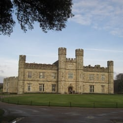 English Heritage: Leeds Castle, Maidstone, Kent