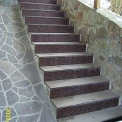 Treppenanlage aus Naturstein
