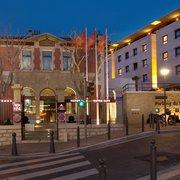 Victor Café - Marseille, France. Victor Café