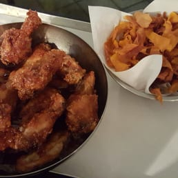 Chicken Wings with so so angry sauce and sweet potatoes chips