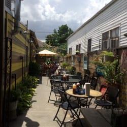 The Joint - La Nouvelle-Orléans, LA, États-Unis. Outside patio