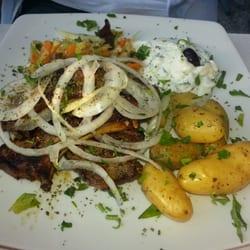 Lammoteletts mit kleinen Ofenkartoffeln