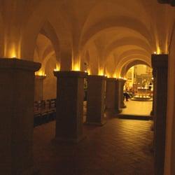 Blick aus der alten in die neuere Kirche