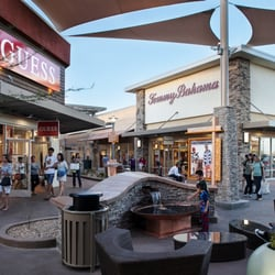Coach Outlet at Premium Outlets Way, Chandler, AZ store location, business hours, driving direction, map, phone number and other services.