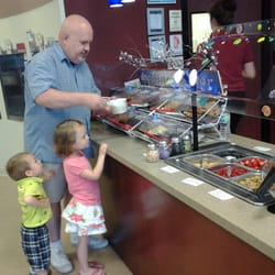 Spirels Yogurt Delites - A family adventure! - South Elgin, IL, Vereinigte Staaten