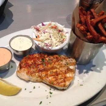 Lure fish house wild halibut with pineapple cole slaw for Lure fish house ventura ca