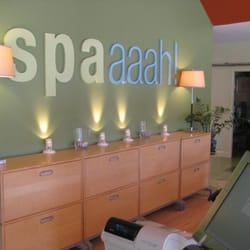 East Kemper Chiropractic and Spaaaah for Medical Wellness - Reception Area.  Call 513-772-3500 to setup a chiropractic, massage, or nutrition appointment! - Cincinnati, OH, Vereinigte Staaten