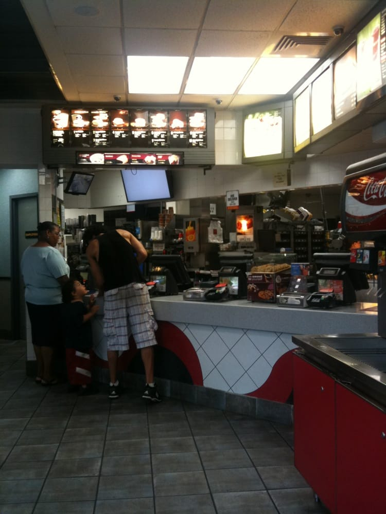 Mcdonald s fast food harlem new york ny vereinigte for Harlem food bar yelp