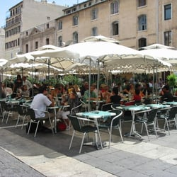 Le Plat Provençal - Marseille, France. Terrasse plat provençal