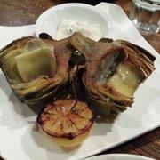 Trancas Steakhouse - Napa, CA, États-Unis. Grilled artichoke with truffle aoli