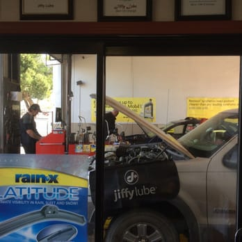 Jiffy lube oil change stations 905 hartnell ave for Mercedes benz oil change jiffy lube