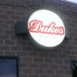 Duke's Steakhouse logo