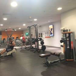 basic fit healthcity 12 photos salle de sport saint bruno saint victor bordeaux. Black Bedroom Furniture Sets. Home Design Ideas