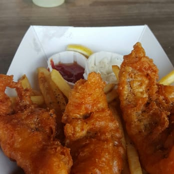 Chowder hut fresh grill 216 photos american for Best fish and chips in san diego