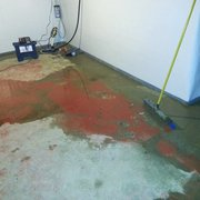 Perma-Seal Basement Systems - Standing water that backed up through the drains. - Downers Grove, IL, Vereinigte Staaten