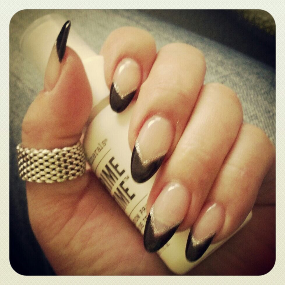 Black Pointed Nails Black tip pointy nails