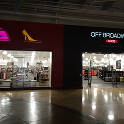 Off Broadway Shoe Warehouse - Ontario, CA, Estados Unidos