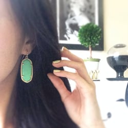 Kendra Scott - Houston, TX, États-Unis. Elle earrings in sea foam