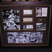 Westlake Custom Framing - Westlake Village, CA, États-Unis. Check signed by Babe Ruth with other collectibles